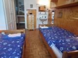 1_-_chambre_filles_blue_2_lavabo.jpg
